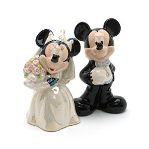 Läs mer om Mickey and Minnie Mouse Wedding Salt and Pepper Shakers