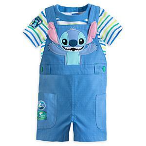 Läs mer om Stitch-babyset med hängselbyxor och lekdräkt
