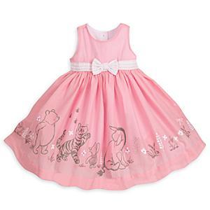 Läs mer om Nalle Puh-babyset med klänning, kofta och trosor