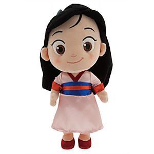 Läs mer om Mulan som liten flicka gosedocka