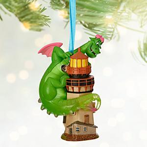 Läs mer om Peter och draken Elliott juldekoration