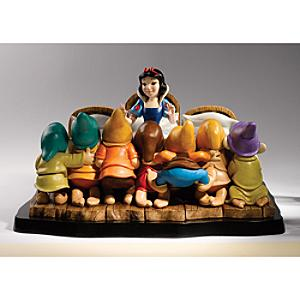 A Moment In Time - Snow White And The Seven Dwarfs Deluxe Limited Edition Figurine - Figurine Gifts